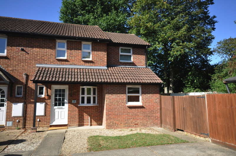 3 Bedrooms End Of Terrace House for sale in Buttermere, White Court, Braintree, CM77
