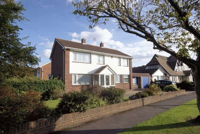 3 Bedrooms Detached House for sale in Milvil Road, Lee-On-The-Solent, PO13