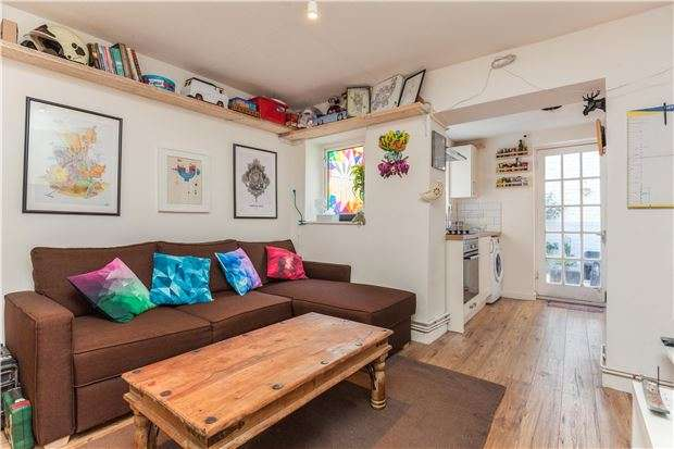 1 Bedroom Flat for sale in North Road, St. Andrews, BRISTOL, BS6 5AQ
