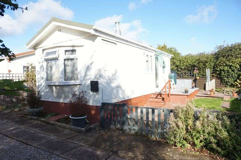 1 Bedroom Detached Bungalow for sale in Sunnyfield Lane, Up Hatherley, Cheltenham