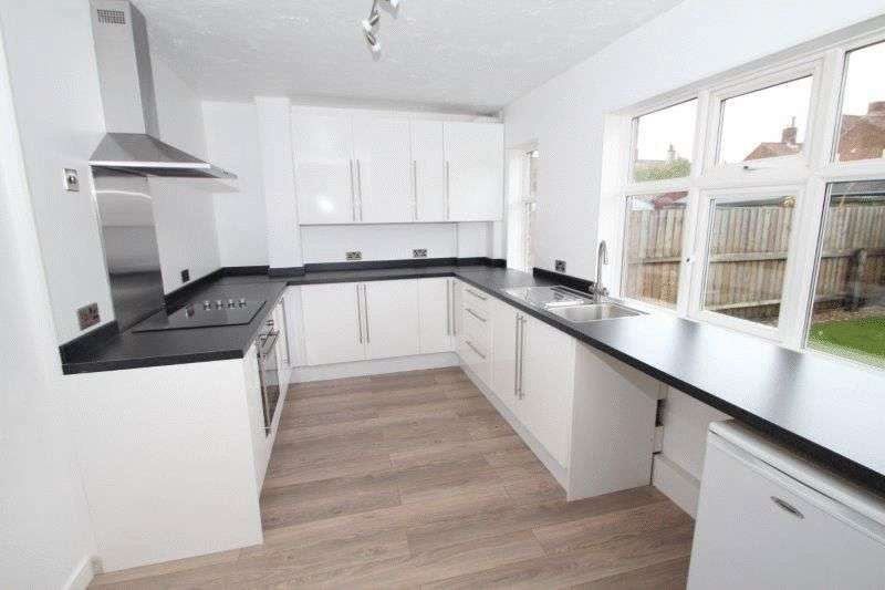 2 Bedrooms Semi Detached House for sale in Bellville Crescent, Norwich