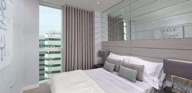 1 Bedroom Property for sale in Saffron Central Square, Croydon, CR0 0AB