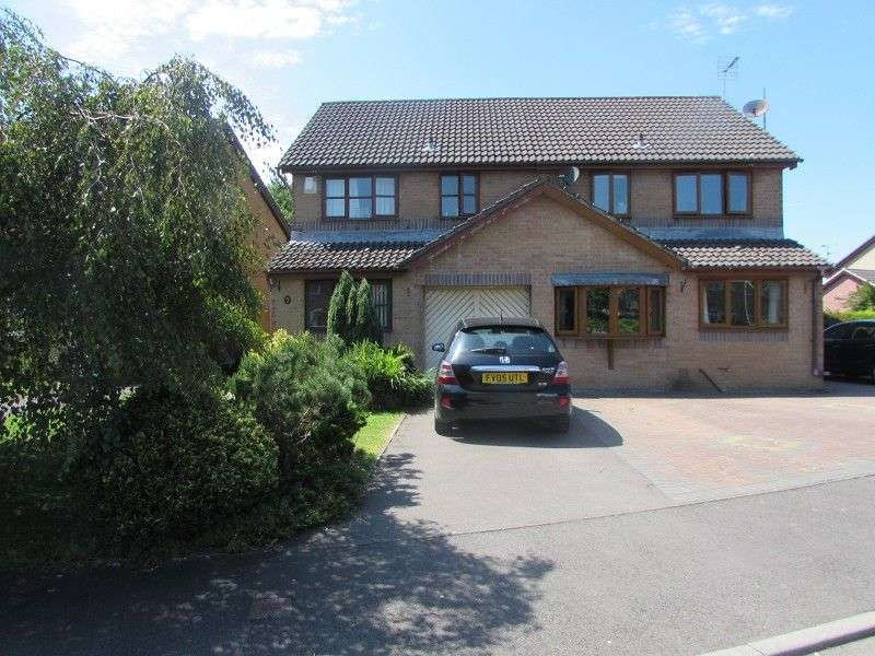 3 Bedrooms Semi Detached House for sale in Heol Maes Yr Haf , Pencoed, Bridgend. CF35 5PJ
