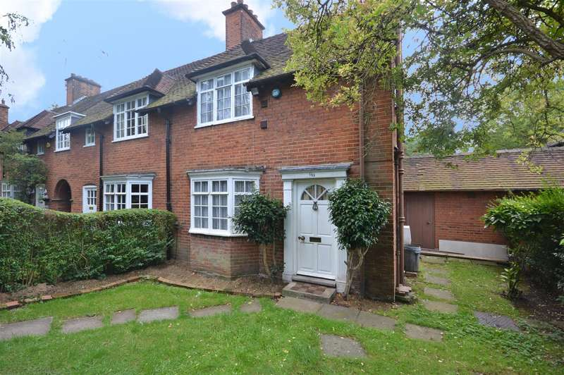3 Bedrooms Semi Detached House for sale in Falloden Way, Hampstead Garden Suburb, London, NW11