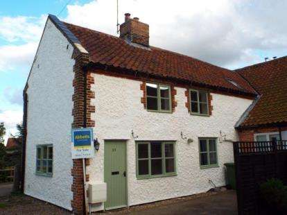 2 Bedrooms Semi Detached House for sale in Holt, Norfolk