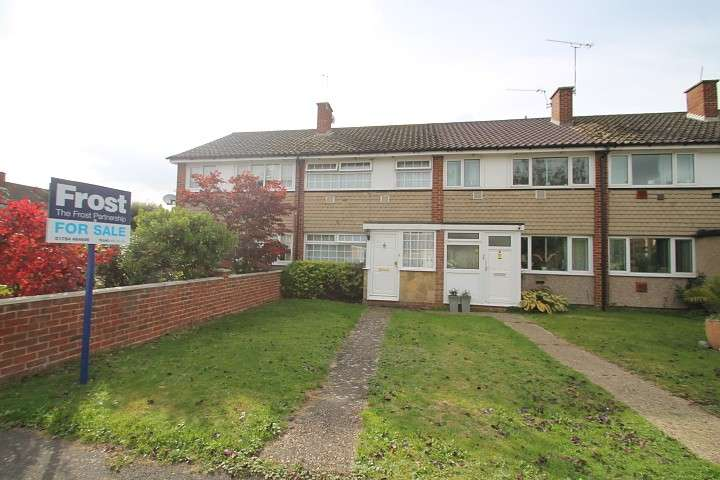 3 Bedrooms Terraced House for sale in Mountsfield Close, Stanwell Moor, TW19