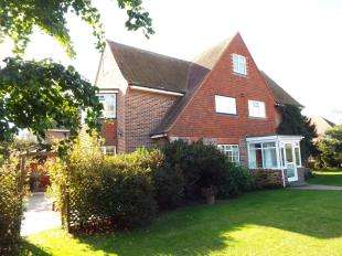6 Bedrooms Detached House for sale in Amberley Drive, Goring-By-Sea, Worthing, West Sussex