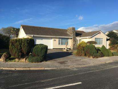 3 Bedrooms Bungalow for sale in Pelynt, Looe, Cornwall