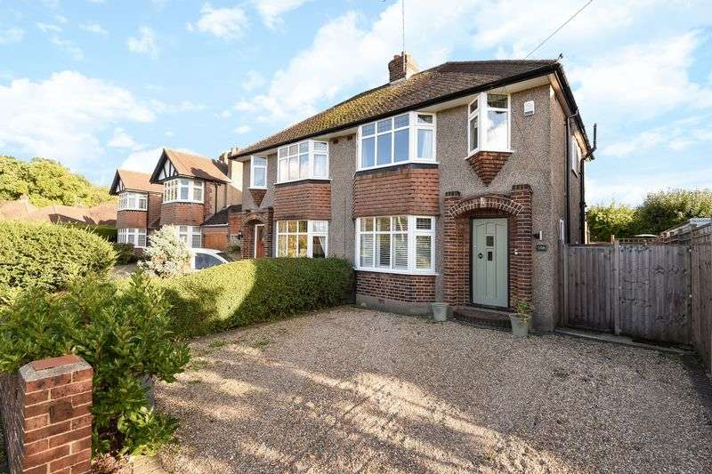 3 Bedrooms Property for sale in Overdale, Ashtead