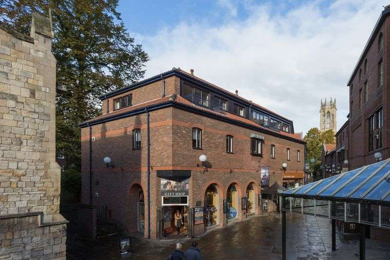 2 Bedrooms Flat for sale in Coppergate Walk, York