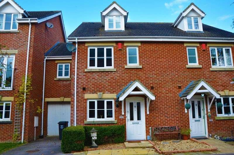 4 Bedrooms Terraced House for sale in Rawlings Court, Ludgershall