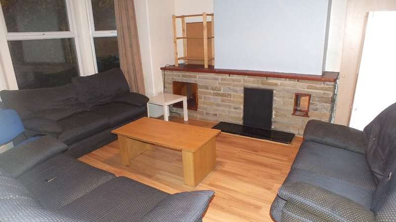 8 Bedrooms Terraced House for rent in St Michaels Terrace, Headingley, LS6