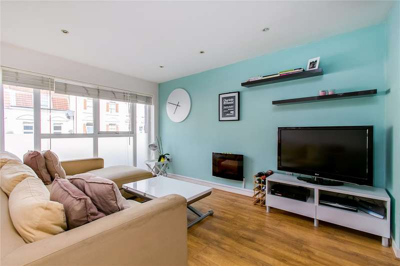 2 Bedrooms Flat for sale in High Street Colliers Wood, London, SW19