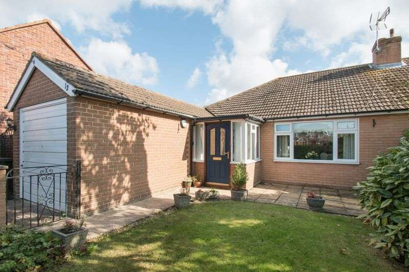 3 Bedrooms Semi Detached Bungalow for sale in Newport Drive, Chichester