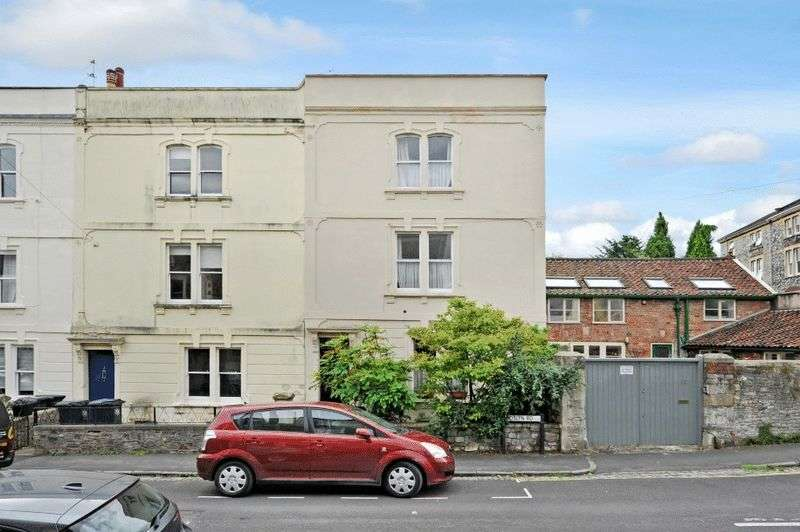 4 Bedrooms Terraced House for sale in Roslyn Road, Redland