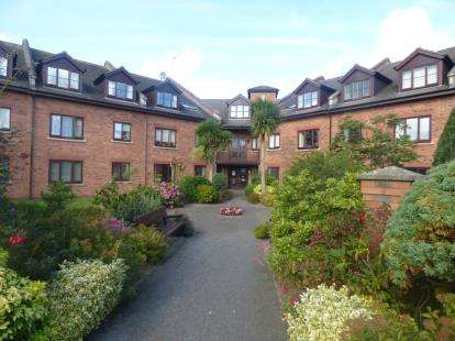 1 Bedroom Retirement Property for sale in Penrhyn Court, Penrhyn Bay, Llandudno, Conwy, LL30