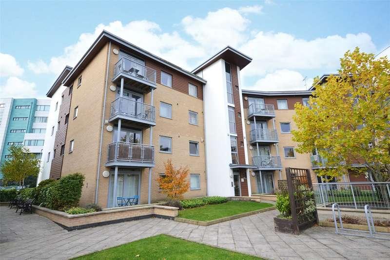 2 Bedrooms Apartment Flat for sale in Kelvin Gate, Bracknell, Berkshire, RG12
