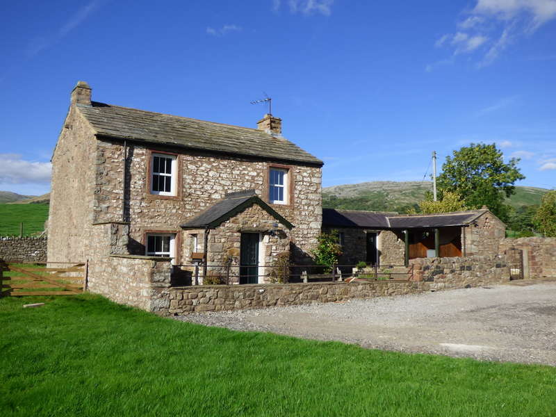 3 Bedrooms Cottage House for sale in Mains House, Near Church Brough