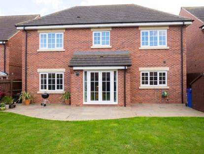 4 Bedrooms Detached House for sale in Four Seasons Close, Dunholme, Lincoln