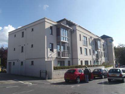 2 Bedrooms Flat for sale in Russell Street, Tavistock
