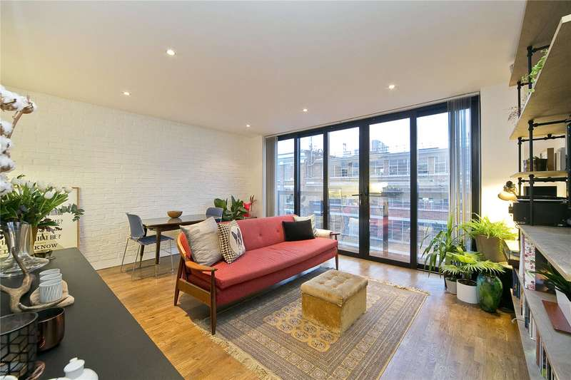 1 Bedroom Flat for sale in Shacklewell Lane, Hackney, E8