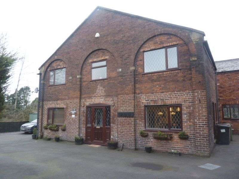 3 Bedrooms Detached House for sale in Wigan Road, Westhoughton