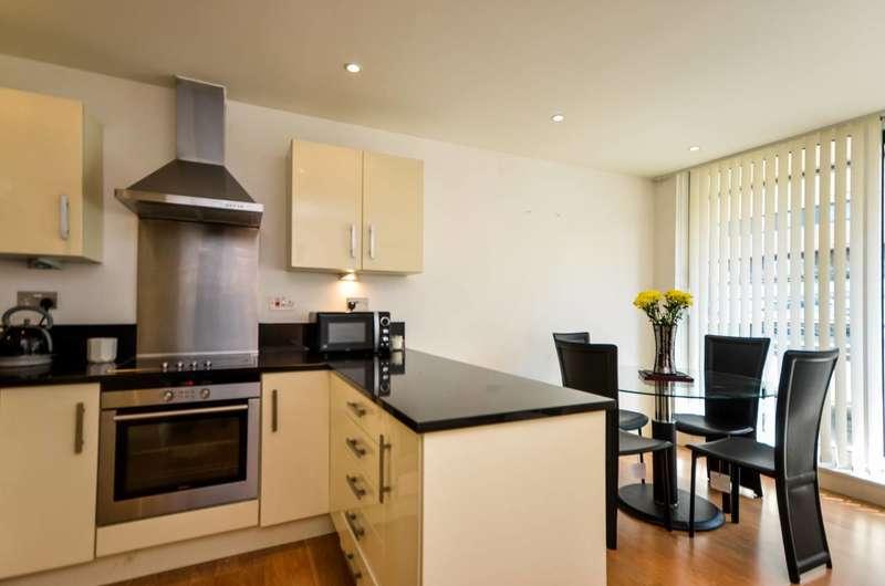 1 Bedroom Flat for sale in Albert Basin Way, Gallions Reach, E16