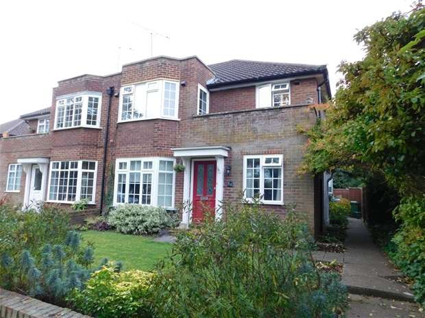 2 Bedrooms Flat for sale in Ditton Hill Road Long Ditton, Surbiton