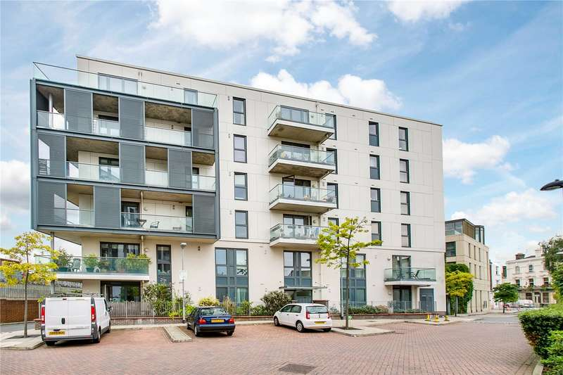 1 Bedroom Flat for sale in Randall Court, Dairy Close, SW6
