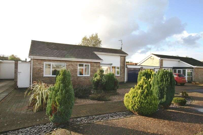 3 Bedrooms Detached Bungalow for sale in Edinburgh Drive, Fakenham