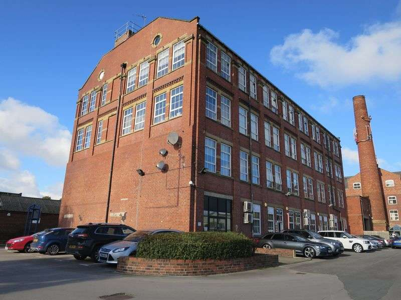 2 Bedrooms Flat for sale in Commercial Street, Morley, Leeds