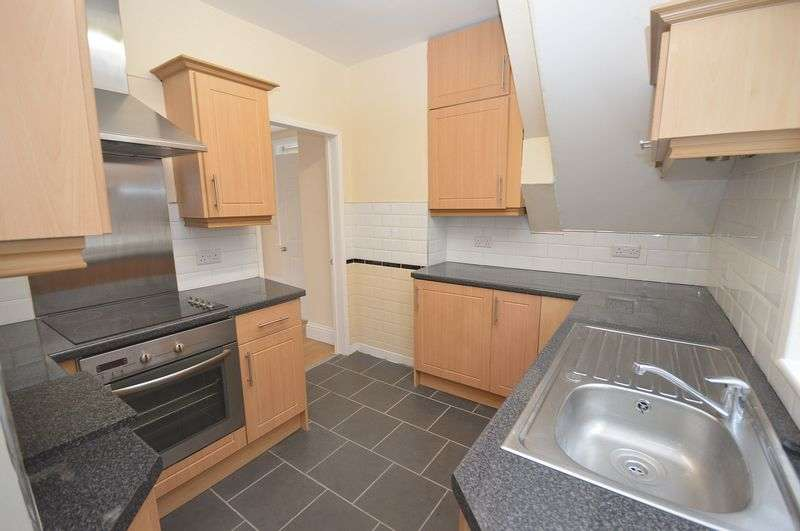 3 Bedrooms Semi Detached House for sale in Smith Road, Widnes