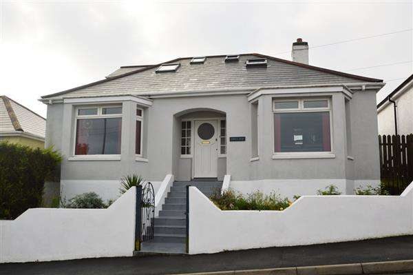 4 Bedrooms Bungalow for sale in FALMOUTH