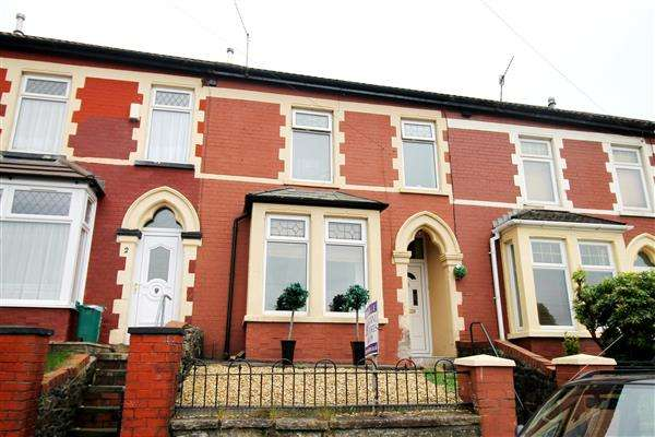 3 Bedrooms Terraced House for sale in St John Street, Glynfach, Porth