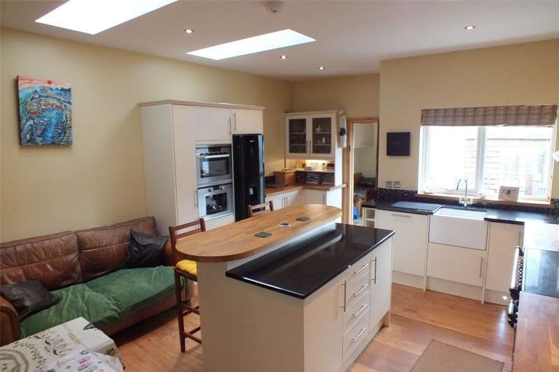 3 Bedrooms Detached Bungalow for sale in Aberfoyle, Broadwell Hayes, Tenby, Pembrokeshire
