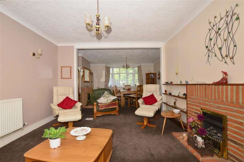 3 Bedrooms Semi Detached House for sale in Bell Road, Sittingbourne, Kent
