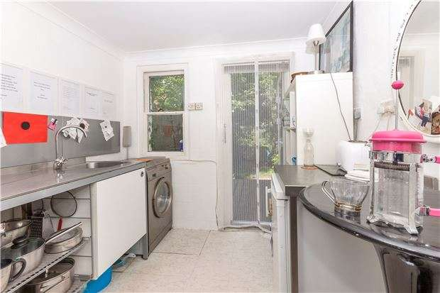 1 Bedroom Flat for sale in Flat,Anglesea Terrace, ST LEONARDS, TN38 0QS