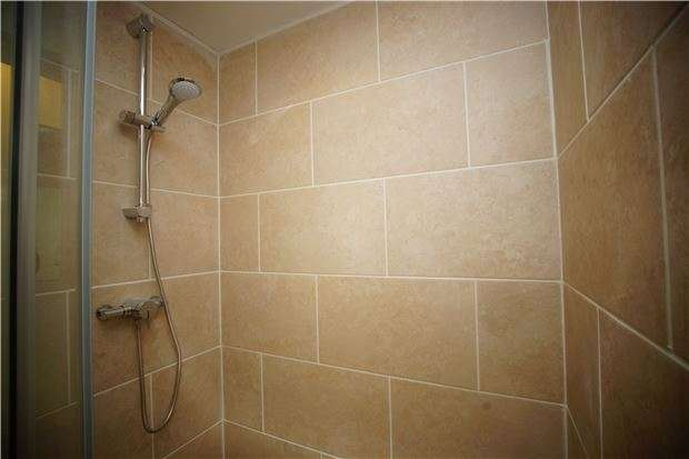 1 Bedroom Flat for sale in Seaside, Eastbourne, East Sussex, BN22 7QU