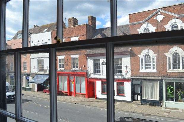 1 Bedroom Flat for sale in Barton Street, TEWKESBURY, Gloucestershire, GL20 5PY