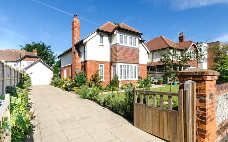 4 Bedrooms Detached House for sale in West Avenue, West Worthing, West Sussex, BN11