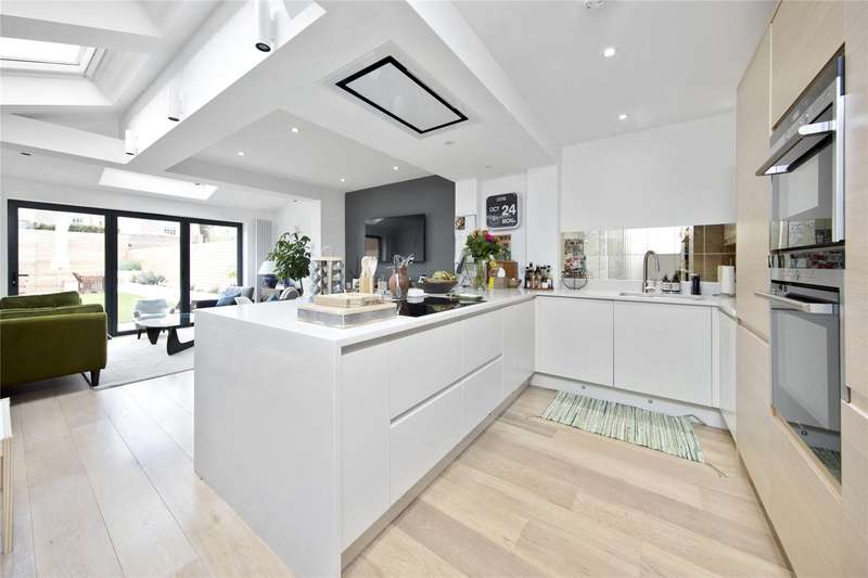 4 Bedrooms Semi Detached House for sale in Dorchester Road, Weybridge, Surrey, KT13