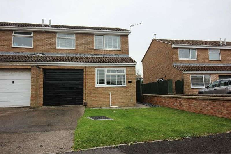 3 Bedrooms Semi Detached House for sale in Windsor Close, Clevedon