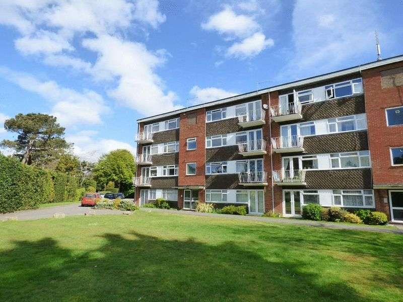2 Bedrooms Flat for sale in Purbeck Heights, Mount Road, Parkstone, Poole
