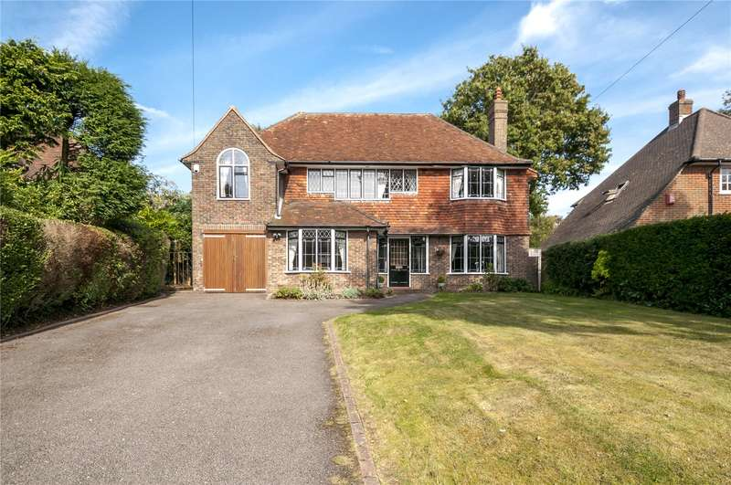 5 Bedrooms Detached House for sale in Woodlands, Hove, East Sussex, BN3
