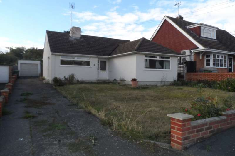 2 Bedrooms Detached Bungalow for sale in Maude Road, Swanley, BR8