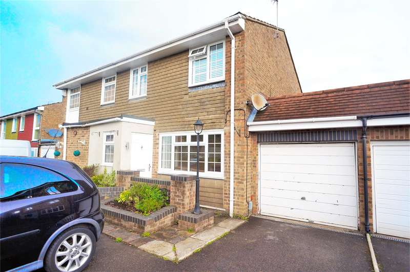 3 Bedrooms Semi Detached House for sale in Clandon Road, Chatham, Kent, ME5