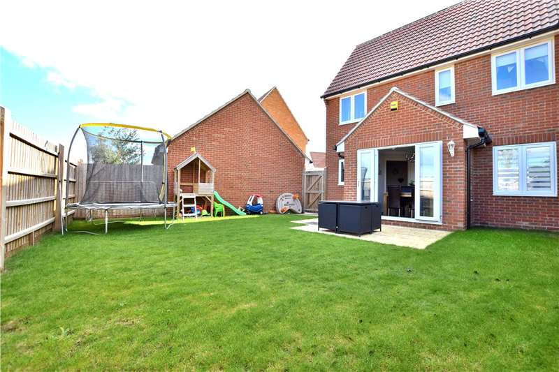 3 Bedrooms Semi Detached House for sale in Woodlands Park