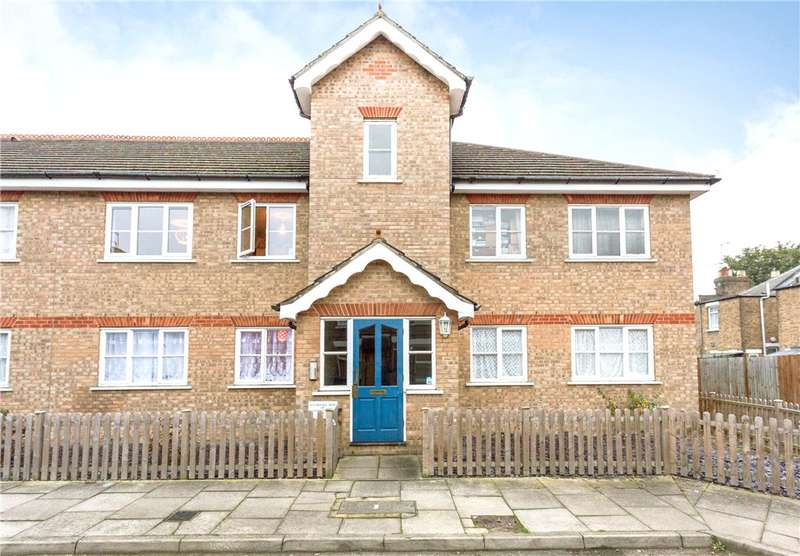 2 Bedrooms Flat for sale in Water Hedge Mews, 5 Charles Street, Enfield, EN1