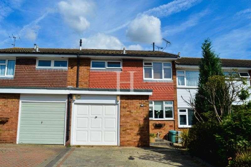 3 Bedrooms Terraced House for sale in Grangeway, Thundersley, Essex, SS7