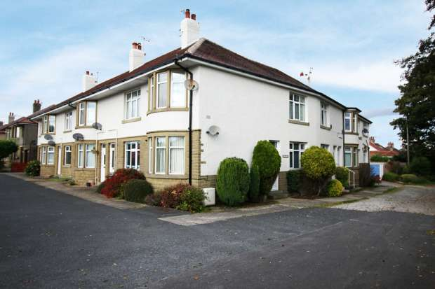 2 Bedrooms Apartment Flat for sale in Morecambe Road, Morecambe, Lancashire, LA3 3AD